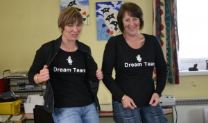 Sheepgate's Sarah Payne and Lezlee Stones of SENOTS Rosettes showing off their 'Dream Team' shirts!