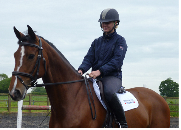 AliciaHawker - Talented young event rider Alicia Hawker chooses Sue Carson Saddles