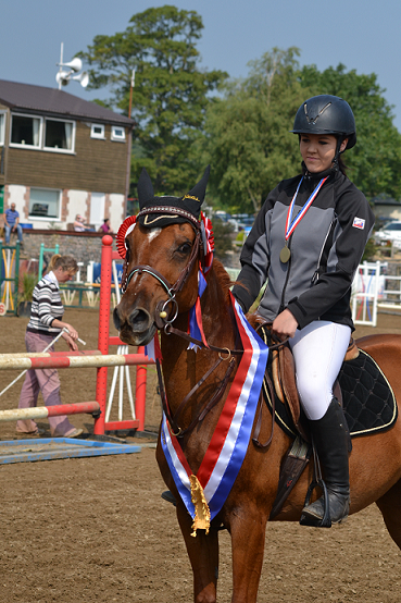 Shelby Johnstone and Bonnie - Bonny and Bonnie give their young riders victory at Cricklands' Championships