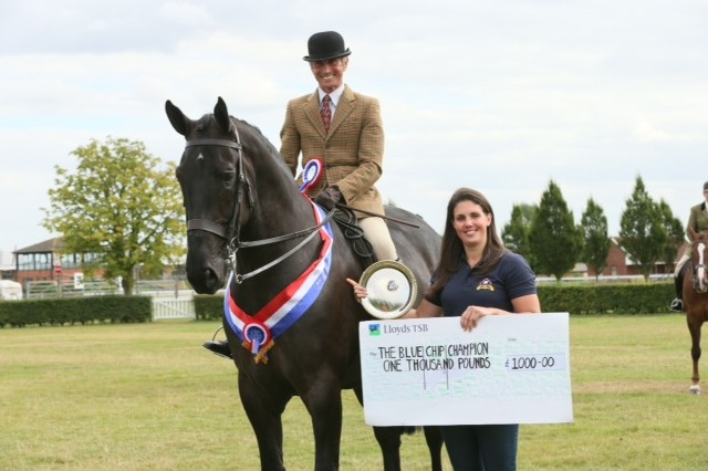 ID Champs 640x426 - Redbridge Tiny Tim wins The Blue Chip and IDHS £2000 Championship