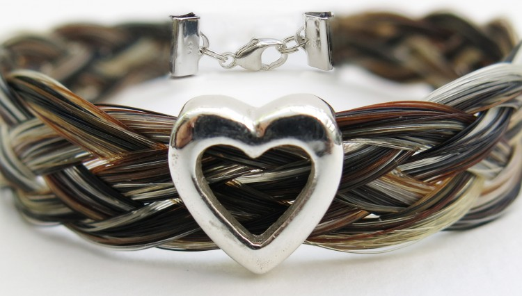 Gemosi Harmony heart horse hair bracelet 750x426 - A truly special gift, for someone special to you