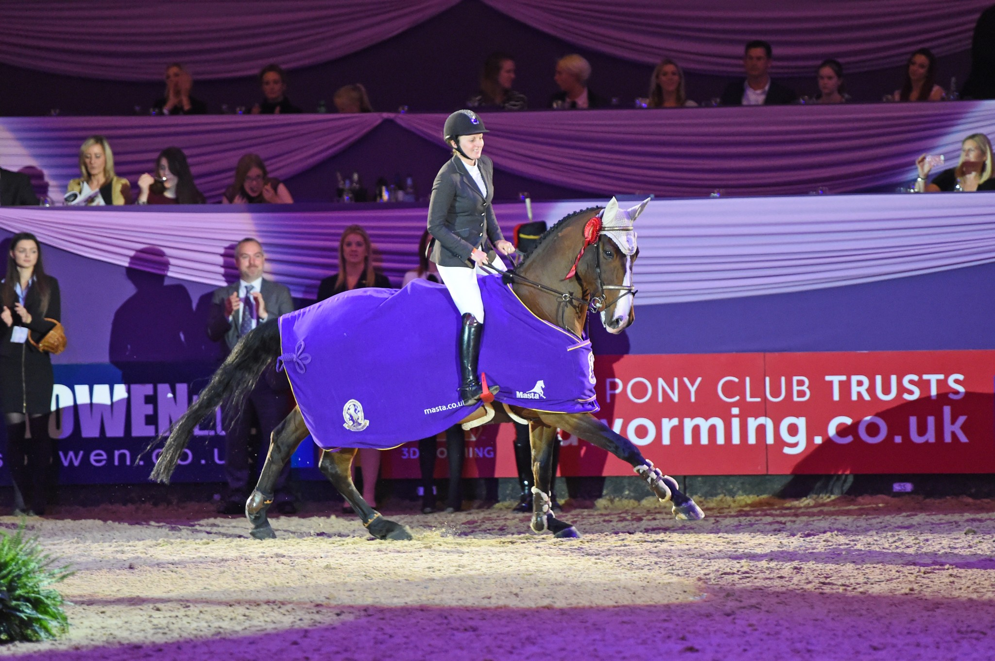 Horse of the Year Show Challenge Cup - Another win for Louise Saywell in the Horse of the Year Show Challenge Cup