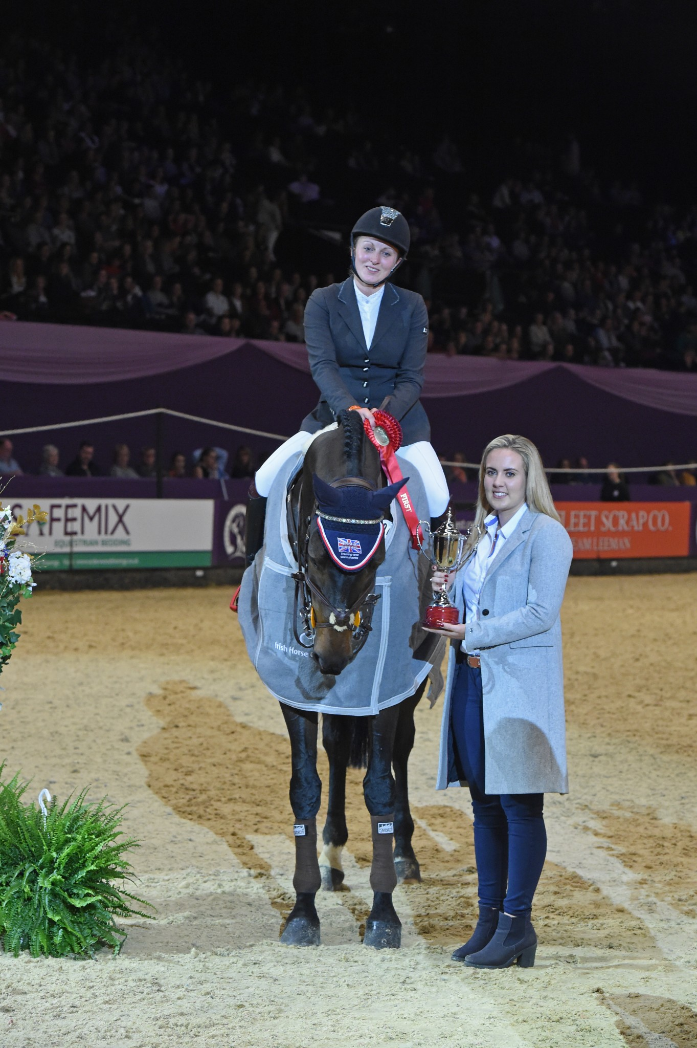 International Show Jumping sponsored by Irish Horse Gateway 1 - Louise Saywell takes the title in the Irish Horse Gateway sponsored International Showjumping class
