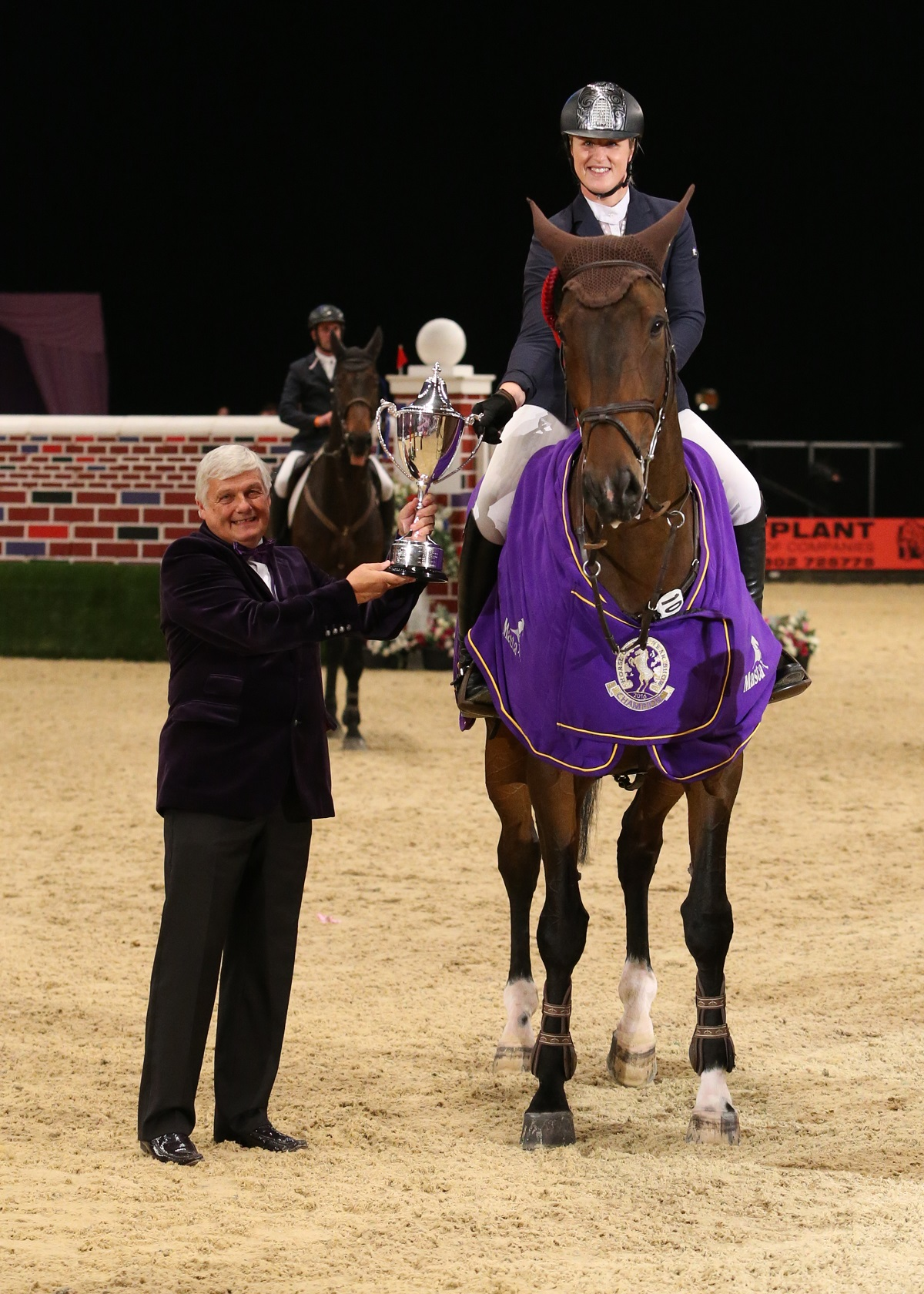 Thistledown Puissance Julian Portch 3 1 - An incredible win for Holly Smith in the Thistledown Puissance at Horse of the Year Show