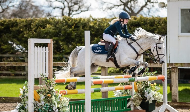 Class 15 11 Years Under Final Winner Tilly Shaw Darosa D Amour CREDIT Ciara Doone Rush 750x440 - Lincolnshire's Tilly Shaw Wins 11 Years and Under Final at the Winter Pony Championships 2017