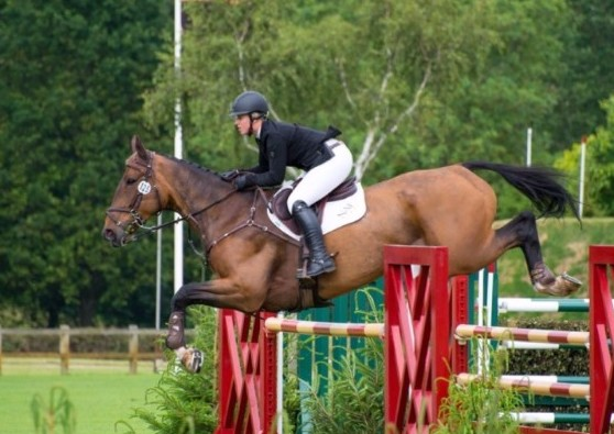 holly smith - Holly Smith bounces back from break to win at Hickstead
