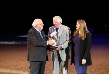 Robert Oliver awarded the Equestrian of the Year 2018 3 360x245 - Robert Oliver awarded Equestrian of the Year