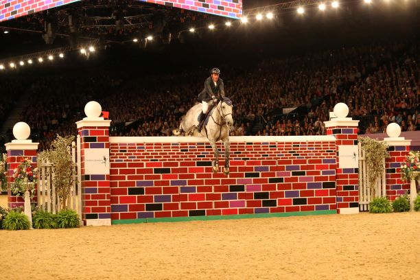 Puissance image HOYS 2018 c Julian Portch - Reaching new heights: Ripon Select Foods sponsor the HOYS 2019 Puissance