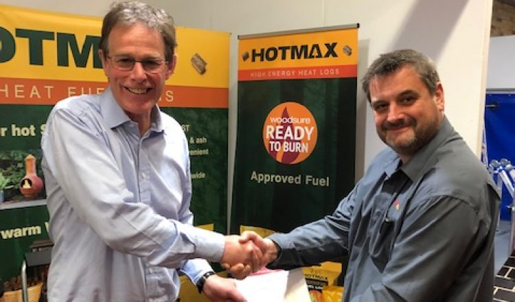 Tim Smalley Managing Director of BEDMAX Ltd with Andrew Hopton Director for Woodsure 750x440 - BEDMAX's Heat Logs Receives Environmental Thumbs Up with Woodsure Accreditation
