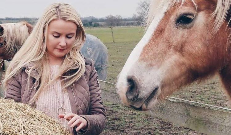 Donna The Horse Feed Guru 750x440 - Can you feed your horse in a more eco friendly way? Donna Case aka The Horse Feed Guru explains…