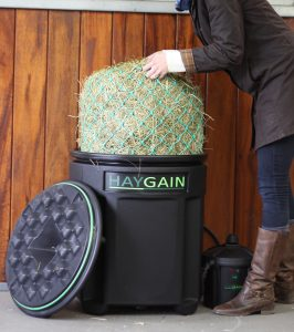the one 1 chopped 266x300 - Haygain HG One, the perfect choice for horses that travel