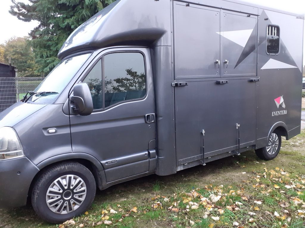 horsebox 3 1024x768 - For Sale : Renault Master 3.5T