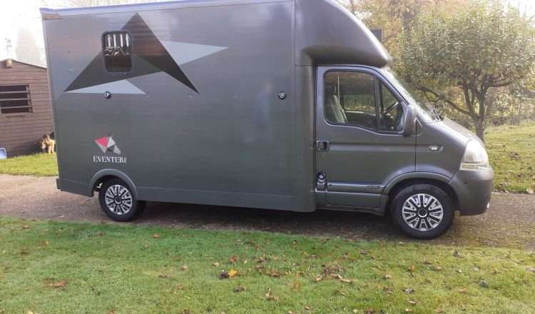 horsebox 6 750x440 - For Sale : Renault Master 3.5T