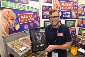 Jamie Rudgley of Maxima with the silver innovation award prize for Mix N Munch 300x200 - New Move to Stoneleigh Proves a Huge Success for BETA International 2021